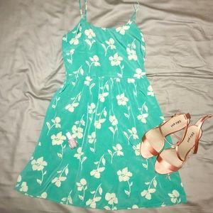 🆕 FRANCESCA'S Floral Dress 👗